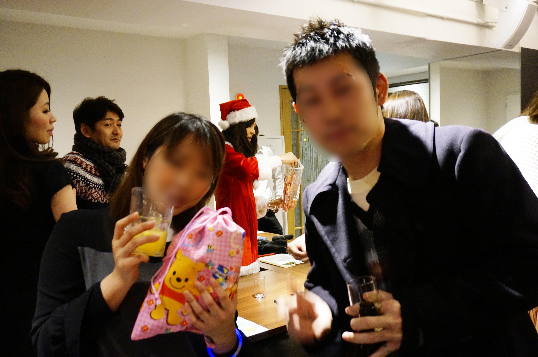 ハロウィンクリスマスパーティー名古屋男性は会社帰りでスーツも多数