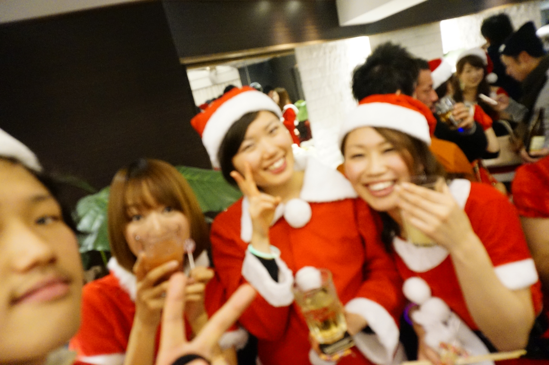 ハロウィンクリスマスパーティー名古屋女性の方のコスプレが多いです